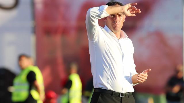 Oficial: Ricardo Soares já não é treinador do Aves