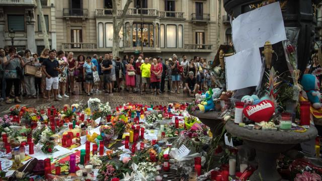 Corpos de vítimas portuguesas trasladados na segunda-feira