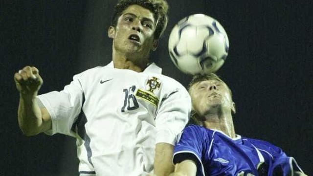 """""""Não a dou a ninguém"""". A camisola que Ronaldo quis guardar para sempre"""