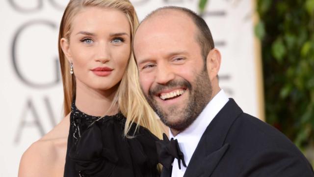 Rosie Huntington-Whiteley e Jason Statham vão casar-se na Passagem de Ano