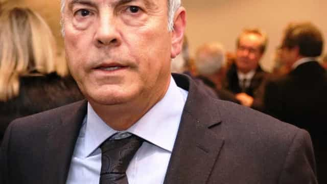 """Costa """"não deve contornar a lei alegando que é secretário-geral """"do PS"""