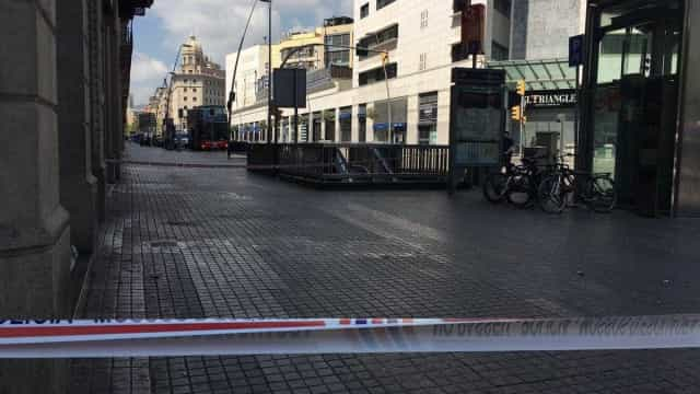 Polícia catalã evacua as Ramblas