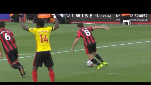 """A expressão """"deixa para mim"""" evitou que o Bournemouth sofresse golo"""