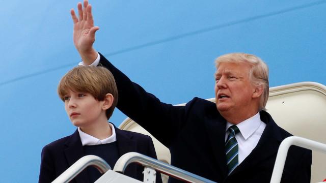 Trump prefere que filho Baron jogue futebol do que futebol americano