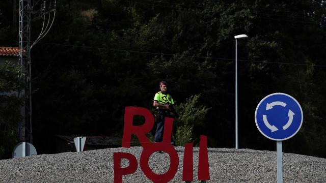 Polícia espanhola faz buscas relacionadas com os atentados