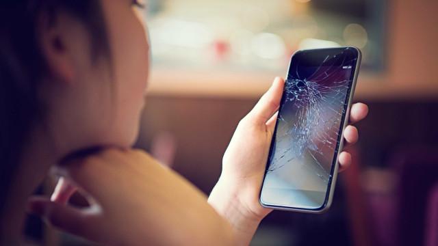 Motorola patenteia ecrã de telemóvel capaz de se regenerar