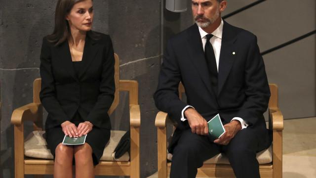 Reis de Espanha enviam mensagem aos familiares das vítimas portuguesas