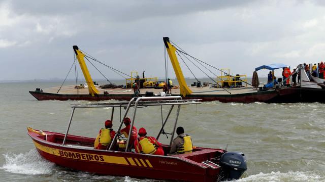 Naufrágio de embarcação no Brasil. Há, pelo menos, sete mortos