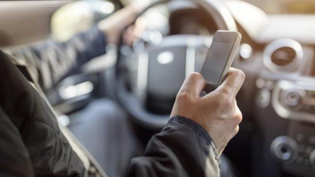 Um em cada dez automobilistas de Lisboa usa o telemóvel durante condução