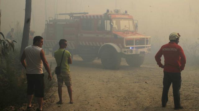 Bombeiro ferido com gravidade em Oleiros não corre risco de vida