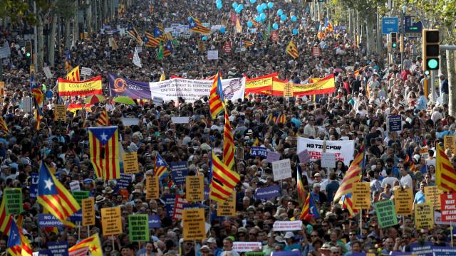 """Manifestação em Barcelona: """"As vossas políticas são os nossos mortos"""""""