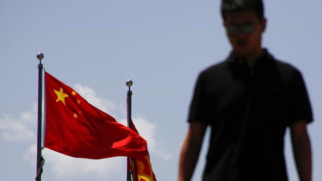 """China avisa EUA de que fará """"o que for necessário"""" para reunificar Taiwan"""
