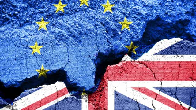 """Reino Unido pode sair da UE sem acordo por """"intransigência"""" de Bruxelas"""