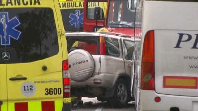 Cinco pessoas morrem após choque entre autocarro e todo-o-terreno