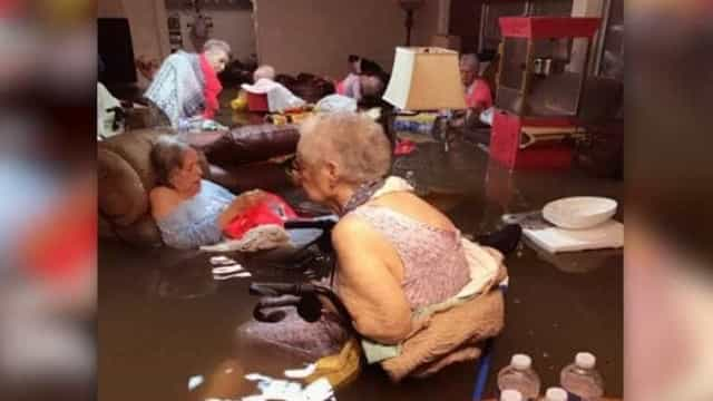 A imagem de um lar durante o furacão do Texas que se tornou viral
