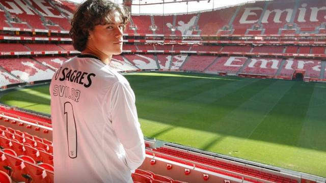 Oficial: Svilar já é jogador do Benfica e fica com o '1'