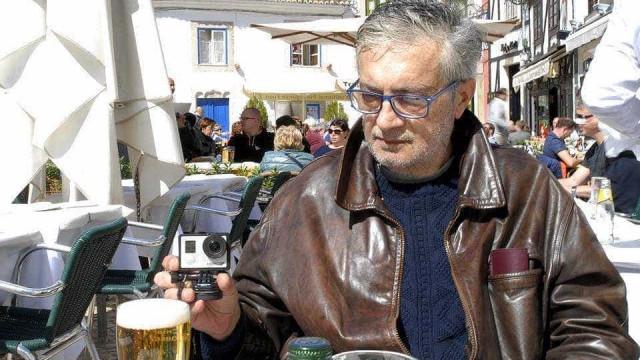 Corpo de fotógrafo desaparecido encontrado na mala do carro. PJ investiga