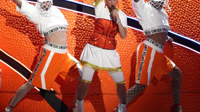 Atuação de Katy Perry envergonha autores do American Idol
