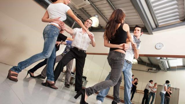 Precisa de mais razões para dançar? Pode ajudar a manter o cérebro jovem