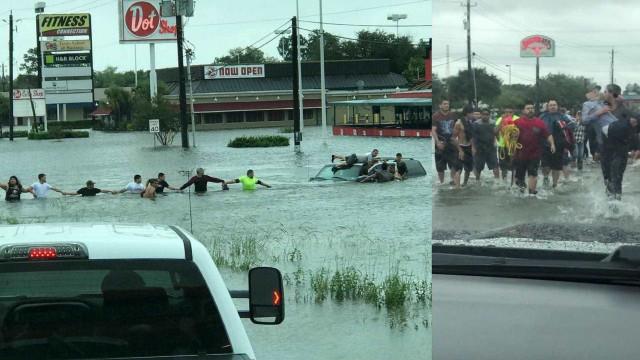 Formam corrente humana para salvar idoso de carro a ser arrastado