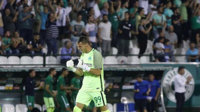 Benfica muito perto de garantir Vlachodimos
