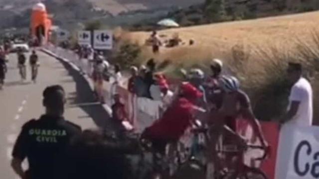 Volta a Espanha: Ciclista russo foi 'atacado' por espectador