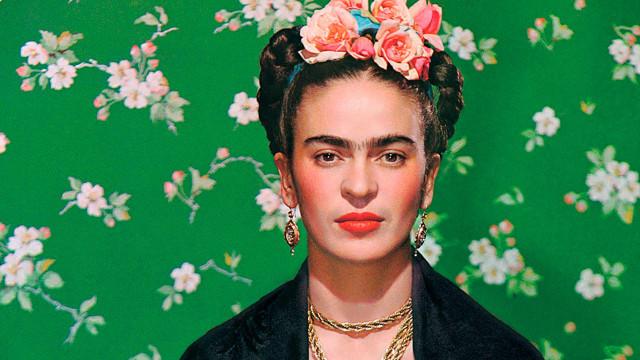 O guarda-roupas secreto de Frida Kahlo que ficou 50 anos fechado