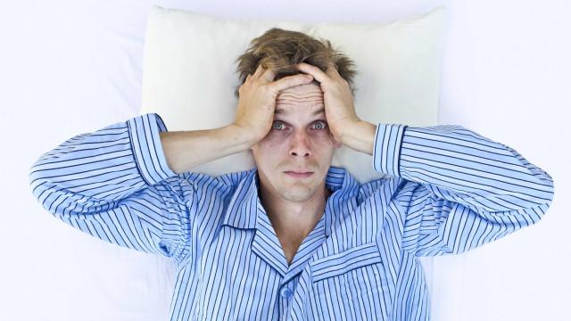 Anda stressado e dorme mal? Um composto da cera de abelha poderá ajudar