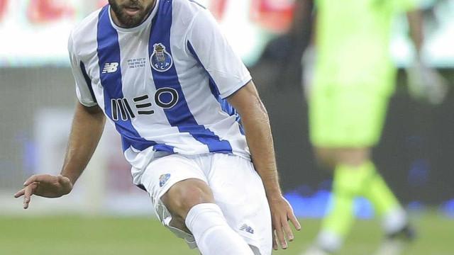 """""""Estou num dos maiores clubes da Europa"""": Felipe torna-se 'centenário'"""