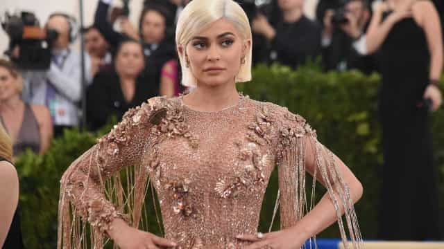 Fãs criticam blogger que mandou Kylie Jenner fazer um aborto