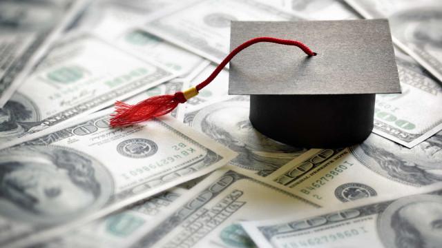 Estudante recebeu bolsa de 1 milhão de dólares por engano