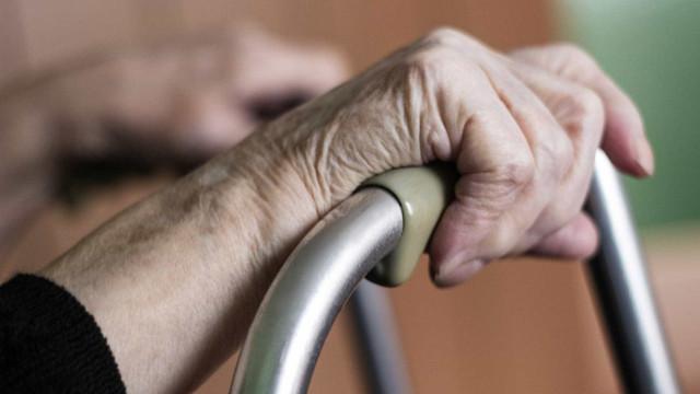 Detida empregada de limpeza que roubava idosas que vivem sozinhas