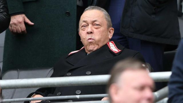 """West Ham exige """"pedido de desculpas"""" por parte do Sporting"""