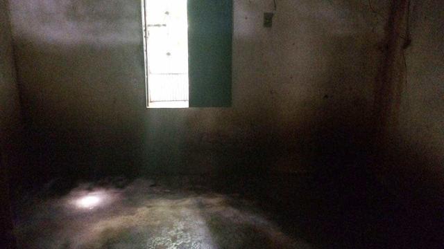 Lúcia esteve 16 anos encarcerada. Agora tem cama e um espelho (que adora)