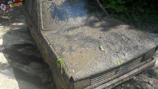 Polícia francesa encontra carro roubado em 1979. Será devolvido ao dono
