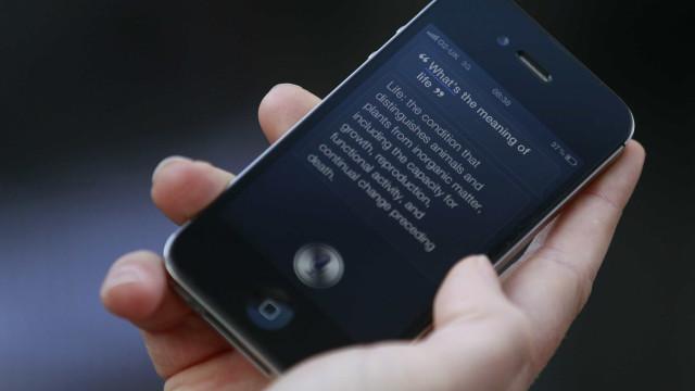 O momento em que menina é salva após ter pedido ajuda através da Siri