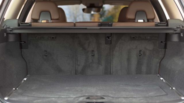 Detido homem que viajava com um cadáver na mala do carro