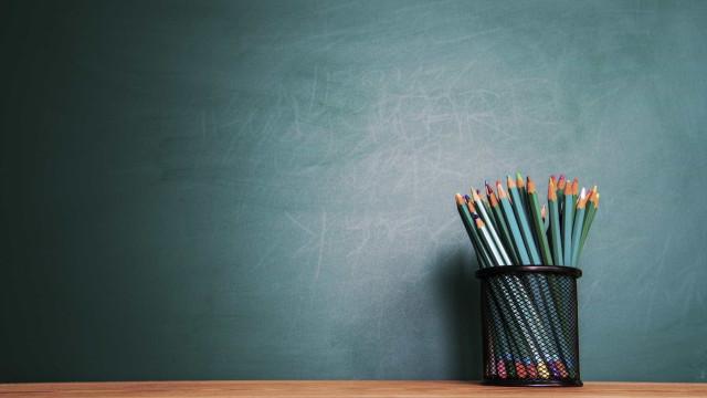 Professores iniciam hoje greve a algumas atividades