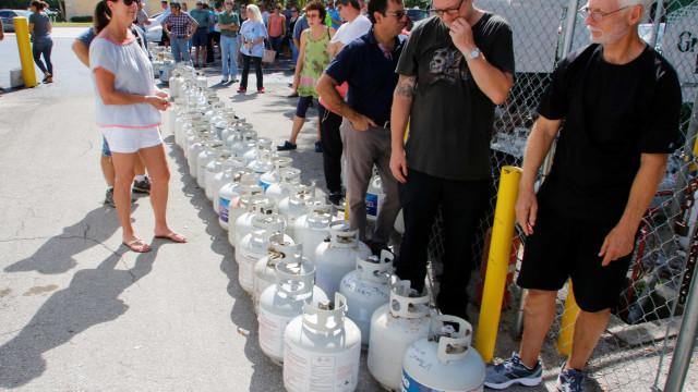 Assim se preparam as pessoas para a chegada do furacão Irma