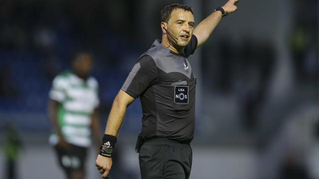 """Sporting repudia """"intimidação que visa influenciar os árbitros"""""""