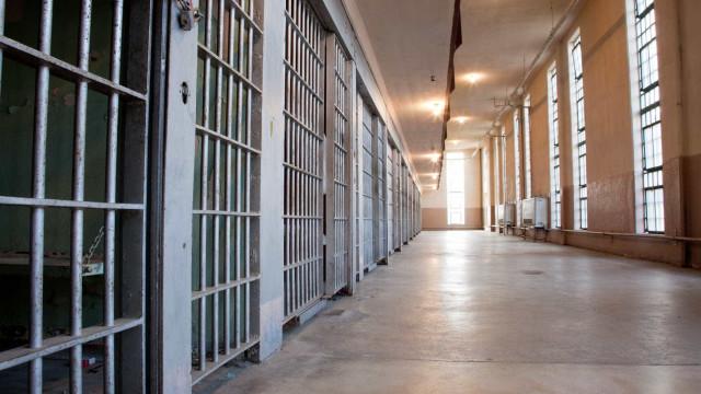 Prisioneiros atacaram violador de menina de seis anos com água a ferver