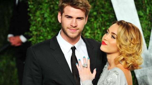 Miley Cyrus revela o que sente quando Liam Hemsworth beija outras atrizes