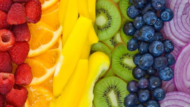 Curiosidades sobre frutas e vegetais que tem mesmo de saber