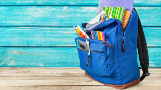 Materiais escolares de que o seu filho não precisa para a escola primária