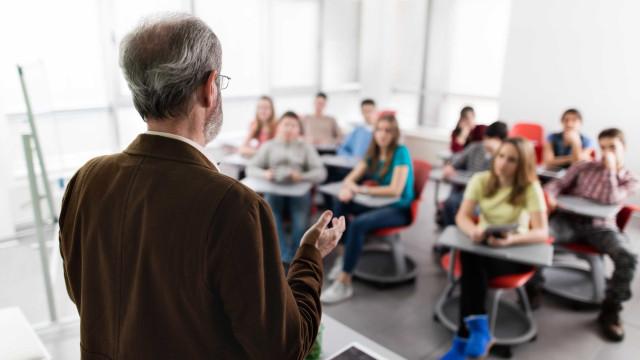 OCDE defende avaliação de professores para detetar e melhorar falhas