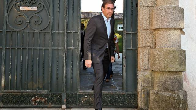 """Passos Coelho concorda com Marcelo. É preciso """"intensificar"""" crescimento"""
