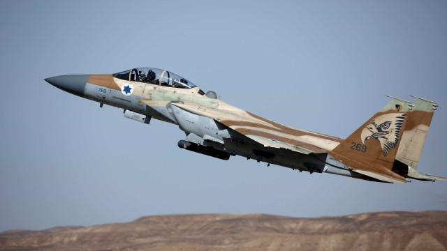 Israel retalia e destrói base anti-aérea na Síria