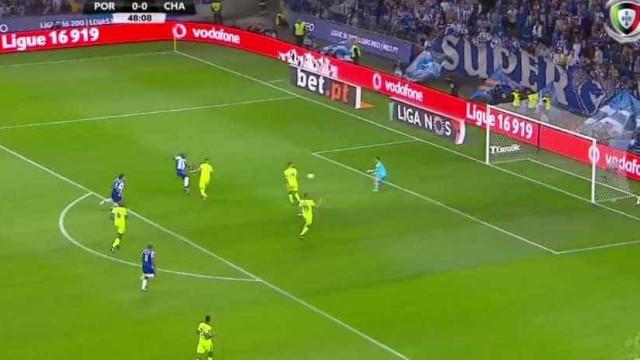 Aboubakar desfaz o empate no FC Porto-Chaves