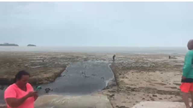 Furacão Irma fez recuar água da costa das Bahamas. Não é tsunami