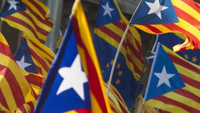 """PP espanhol promete """"pôr ordem"""" na Catalunha quando for Governo"""